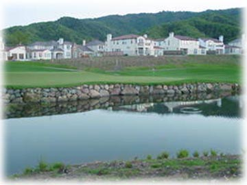 Homes at Eagle Ridge and lovely pond